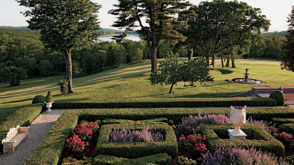 8 Of The Most Beautiful Hotel Gardens In America