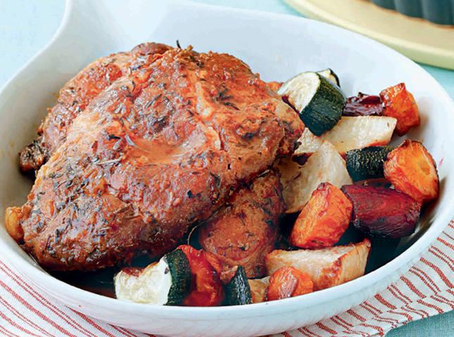 Говядина в духовке сочная с овощами