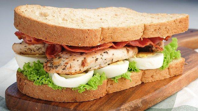 garlic chicken clubhouse sandwich recipe