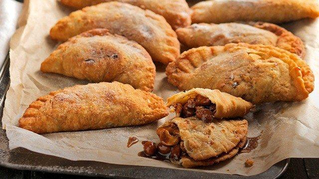 Cashew-Pili Empanada Recipe