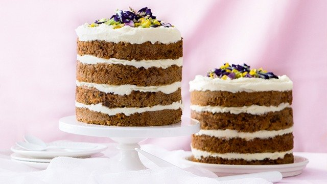 Yummy Layered Cake Recipes: Carrot Cake With Cream Cheese Frosting