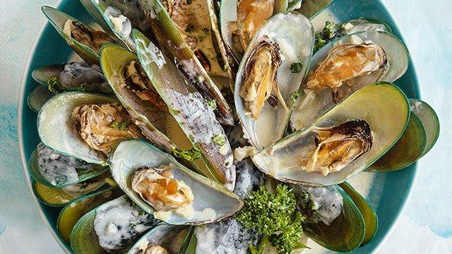 Mussels in Garlic Cream Sauce Recipe