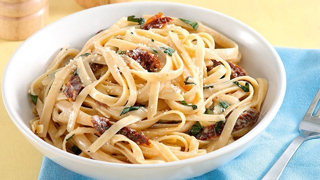 carbonara with sun dried tomatoes and basil recipe