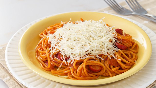 This sweet-style spaghetti recipe is perfect for parties.
