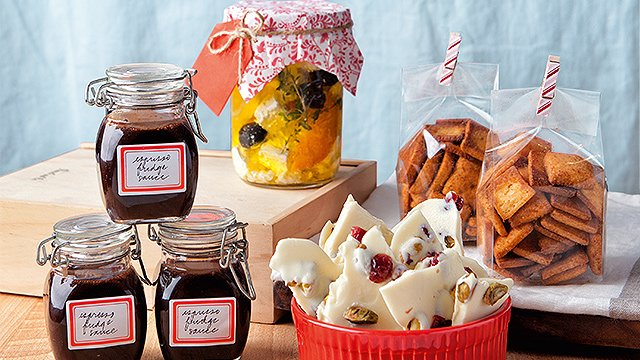 Want to Give the Best Food Gifts This Christmas? We Have Tips
