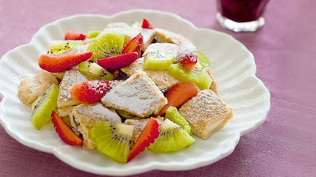 Fresh berries are a fantastic partner to pancakes.