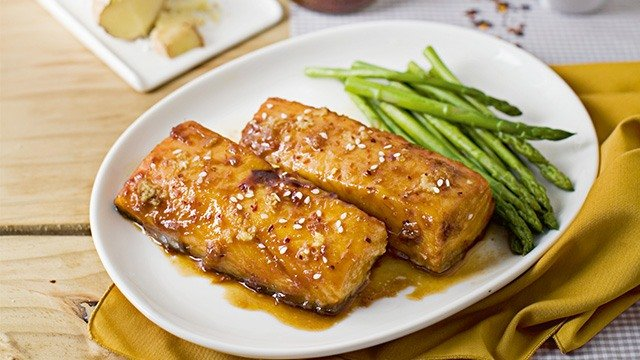 How to use hoi sin sauce