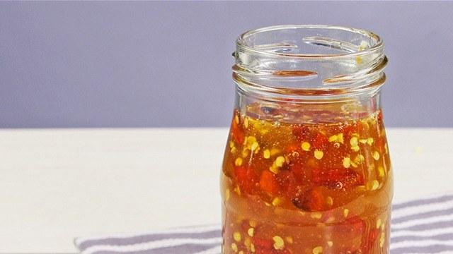 Watch How To Make Homemade Chili Garlic Oil