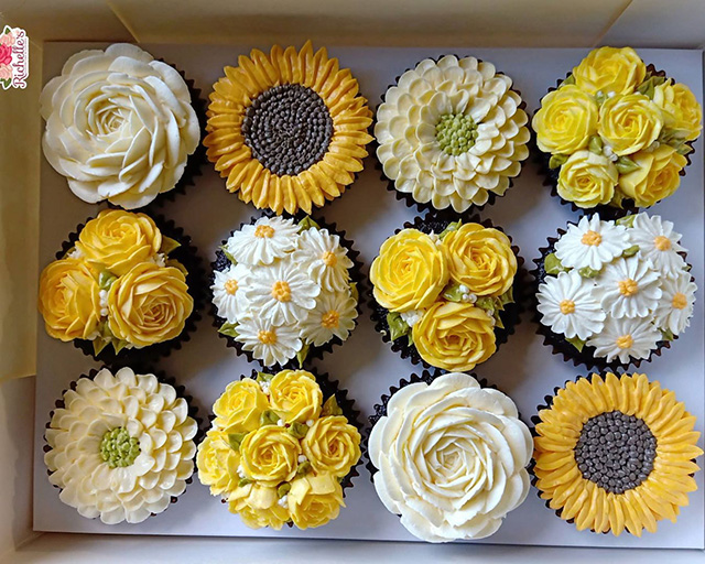 These gorgeous but edible cupcakes are disguised as yellow- and white-hued flowers.
