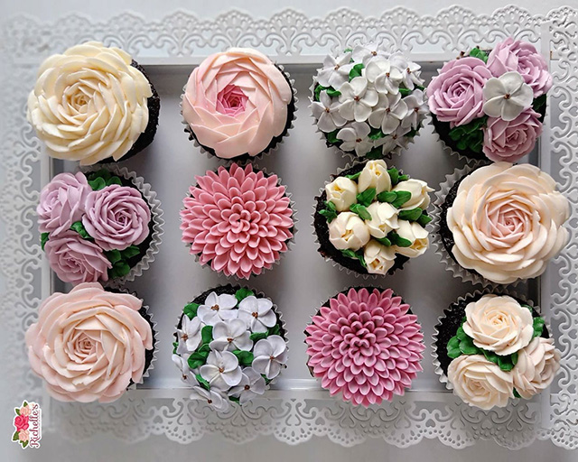 It's going to be hard to resist biting into one of these gorgeously decorated cupcakes!