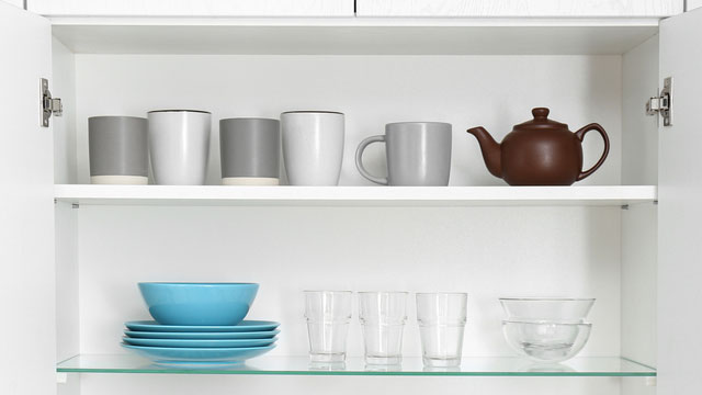 You Might Be Storing Glasses And Mugs Wrong